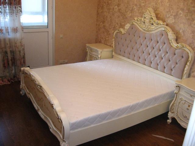 собранная кровать