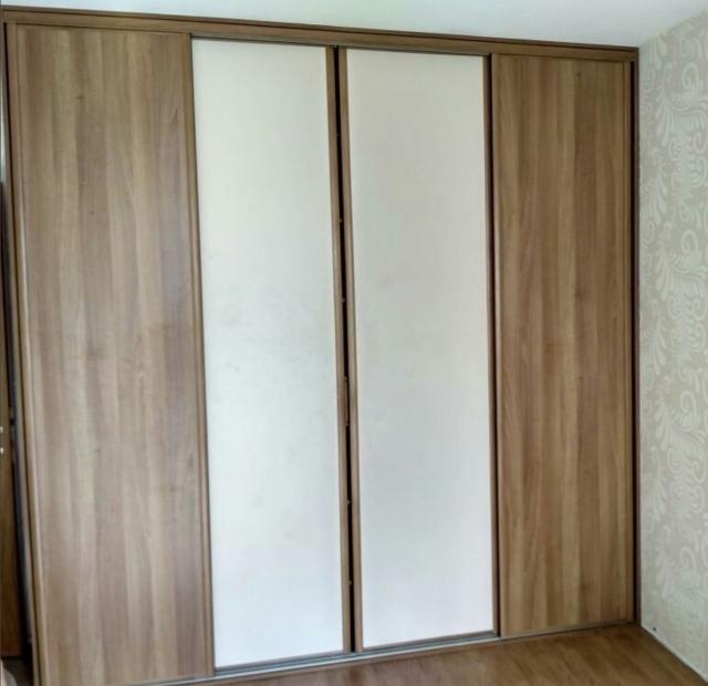 четырех дверный шкаф купе