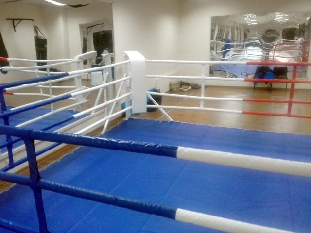 боксерский ринг правый угол