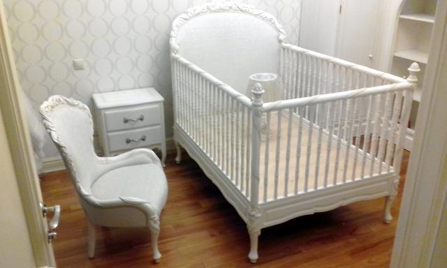 кровать тумба кресло
