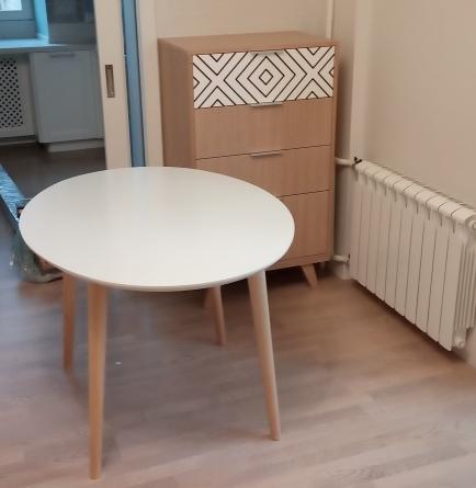 комод и стол